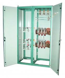 Шкафы ввода с АВР на ток до 1600 А серий Ш8300 и ШО8320ЭС